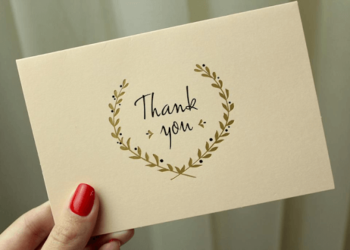 thank-you note makes customers feel warm and greatly valued