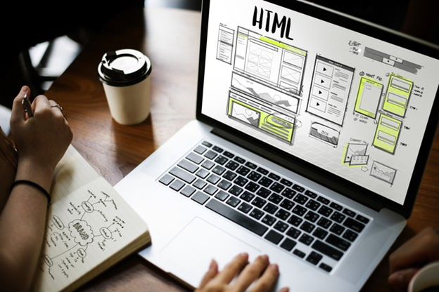 Developing a website with prominent yellow and gray colors