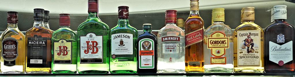 different-beer-bottles-label-materials-1