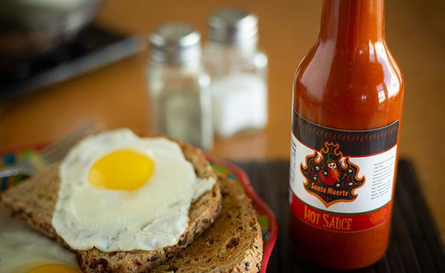 A white BOPP hot sauce label
