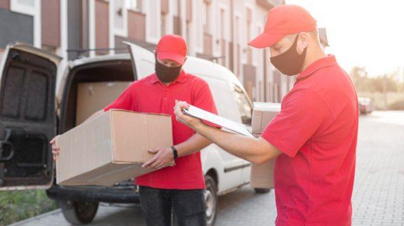 front-view-delivery-men-job-concept